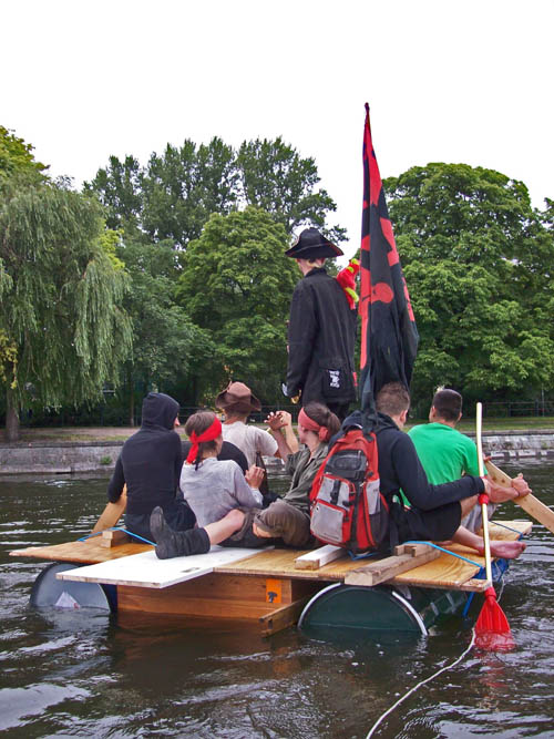 piraten landwehrkanal floss